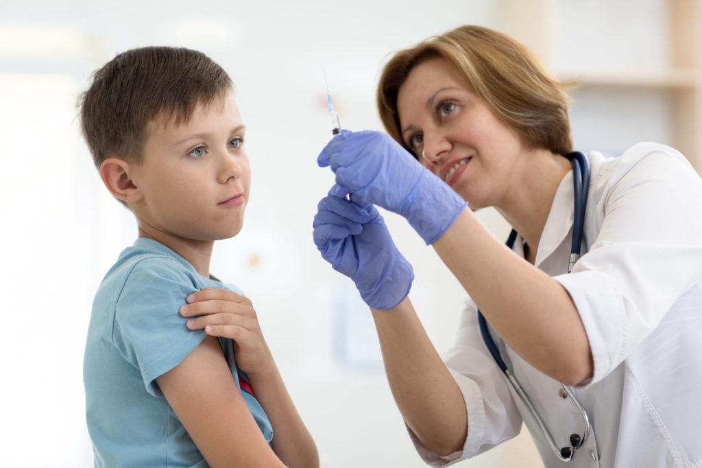 mikor kapják meg a papilloma vírus vakcinát hogyan kezeljük a lapos szemölcsöket a nőknél